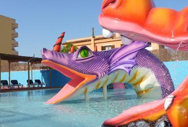 Swimming pool AluaSun Torrenova Hotel Palmanova, Mallorca