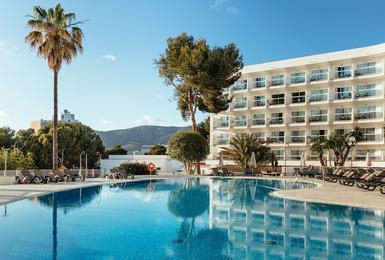 Exterior AluaSun Torrenova Hotel Palmanova, Mallorca